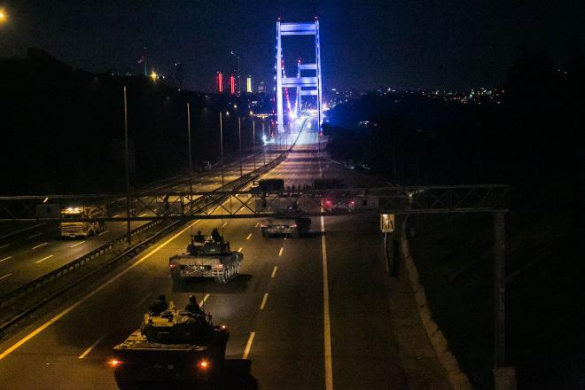 Armed forces behind the coup blocked major bridges, including the bridge over Bosporus. Source: http://www.cumhuriyet.com.tr